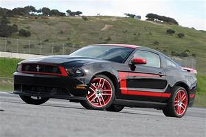 Automobile Trendz: 2012 Ford Mustang Boss 302