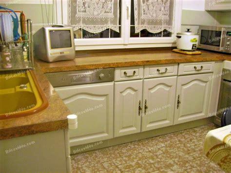 repeindre des meubles de cuisine en bois peinture pour meuble cuisine peinture meuble cuisine sur