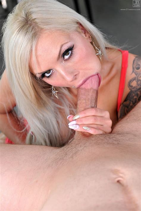 hot blonde is paying the rent milf fox