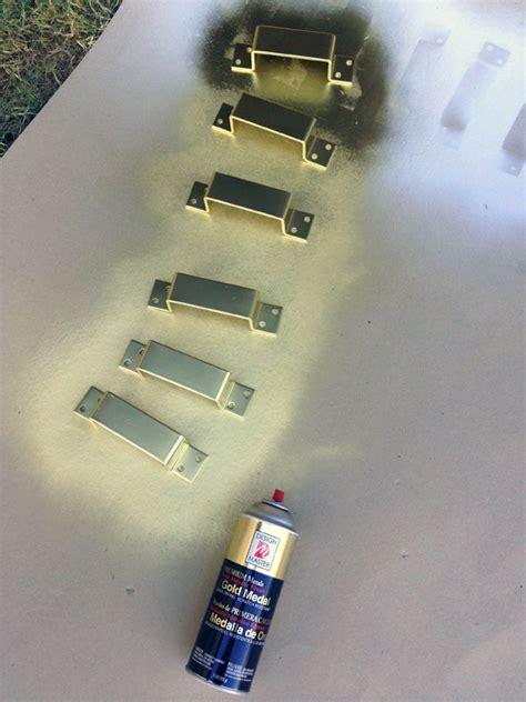 ideas  painting hardware  pinterest primer spray paint painted door knobs