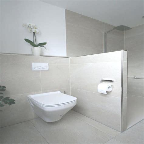 Badezimmer Fliesen Bis Zur Decke by Kleines Badezimmer Fliesen Die Besten 25 Bad Ideen Auf