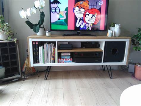 tele pour cuisine un meuble télé sur pied customisé et accueille un caisson
