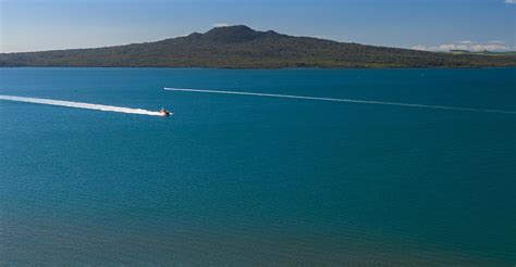 Fishing Boat Charters Nz by Things To Do In Auckland Cruises From Auckland Luxury