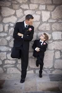 Best 25 Funny Wedding Poses Ideas On Pinterest Wedding Funny Pictures Funny Wedding Pics And
