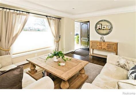 cottage living room sherwin williams irish cream home