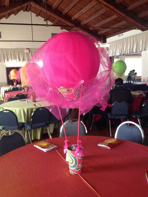 hot air balloon centerpiece wizard of oz baby shower