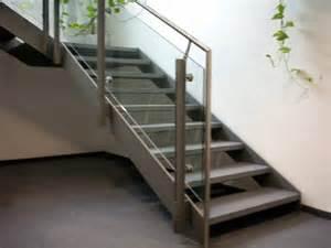 treppen edelstahl vulkan schmiede treppen und gelaender 006 treppe aus edelstahl gelaender mit glas und