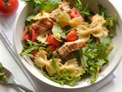 salade de pates chaude salade chaude de dindon grill 233 et de p 226 tes recettes le dindon du qu 233 bec