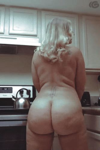 Sexy Mature Bbw Wife Teasing In The Kitchen 10 Pics