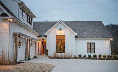 photos and inspiration farmhouse home plans farmhouse inspiration jones design company