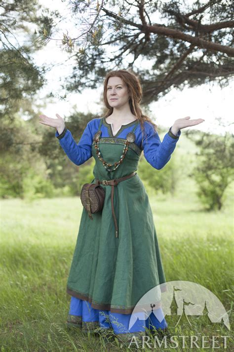 ancient viking dress  apron ingrid  hearthkeeper