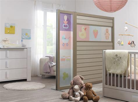 cloison pour separer une chambre coin bébé dans la chambre des parents