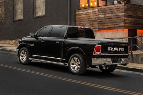 Ram goes big, bold with new Laramie Limited   Chrysler Capital