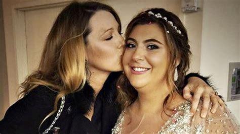 blake lively  amazing   friends wedding