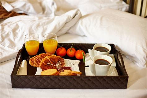 Zu Zweit Im Bett by Bilder Saft Kaffee Mandarine Fr 252 Hst 252 Ck Trinkglas Br 246 Tchen Bett