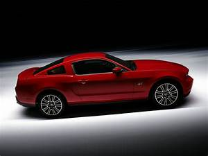 2011 Ford Mustang - Price, Photos, Reviews & Features