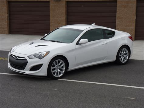 2013 Hyundai Genesis Coupe Review, Ratings, Specs, Prices