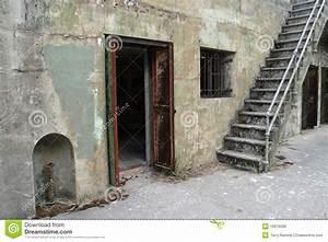 Fenster Für Treppenhaus : t r fenster und treppenhaus lizenzfreies stockbild bild ~ Michelbontemps.com Haus und Dekorationen