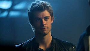 Luke Mitchell as John Young in the pilot episode of The ...