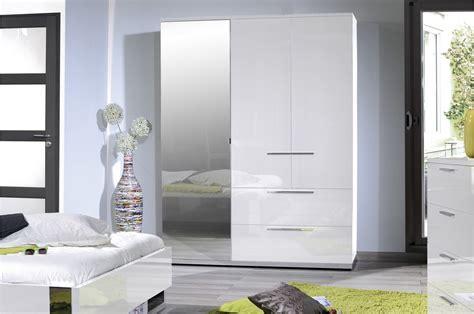 chambre blanc armoire de chambre laqué blanc trendymobilier com