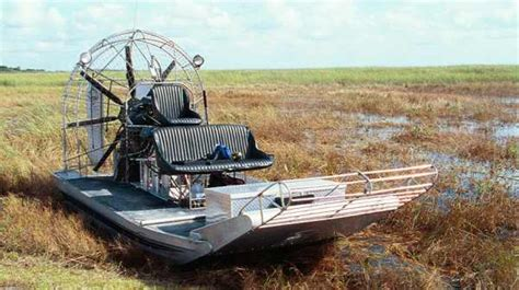 Everglades Propeller Boats by Corsair S Barca Ad Eliche Airboat Estate 2007