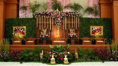 vendor dekorasi pelaminan pernikahan  solo