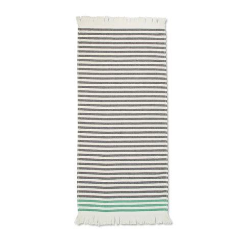 Handtuch Schwarz Weiß by Hamam Handtuch Mit Streifen Marimekko