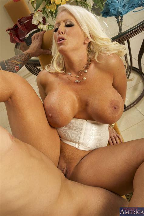 Big Titted Blonde Woman Got Nailed Photos Alura Jenson
