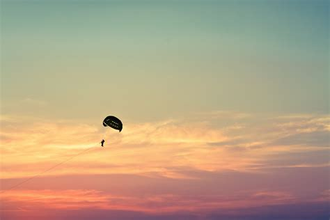 paragliding wallpapers images  pictures backgrounds