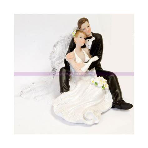 figurine montee mariage de mari 233 s assis s enla 231 ant pour une pi 232 ce mont 233 e 9cm