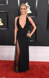 grammys  kristin cavallari shows bosom  black gown
