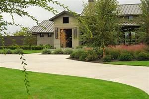 Contemporary Farmhouse - Farmhouse - Landscape