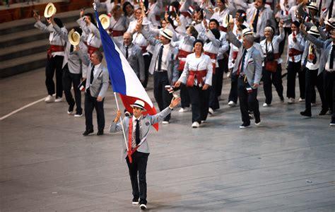 porte drapeau jo 2012 28 images jo 2012 flessel porte drapeau de la jeux olympiques qui