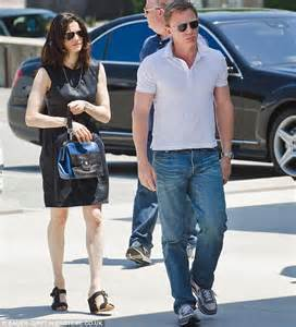Rachel Weisz looks stunning but husband Daniel Craig fails