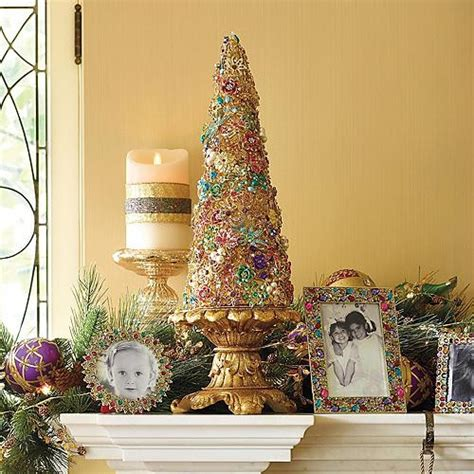jewelry tree  pedestal christmas decorations