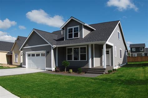 Craftsman Style House Plan 4 Beds 3 Baths 2435 Sq/Ft