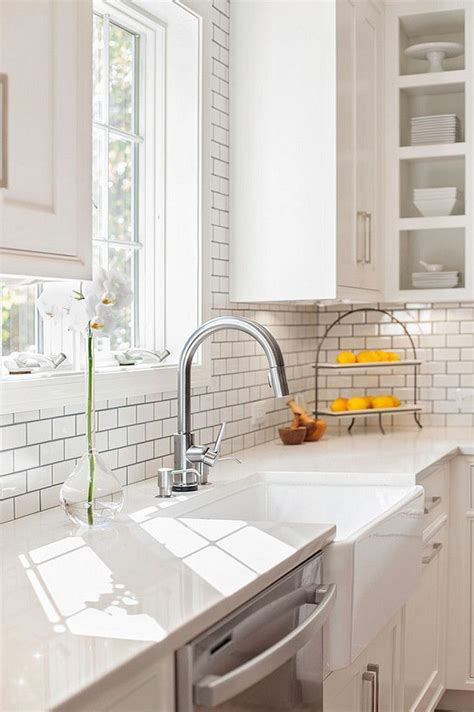 farmhouse sink  misty carrara caesarstone quartz