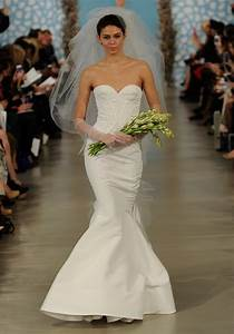oscar de la renta addison size 4 wedding dress oncewedcom With oscar de la renta wedding dress price