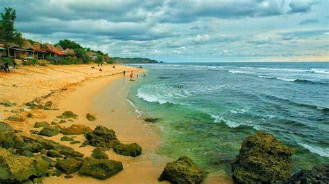 pantai sepanjang gunungkidul  mirip pantai kuta bali