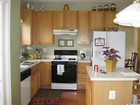 what to do with kitchen cabinets closing the space above the kitchen cabinets remodelando 2155