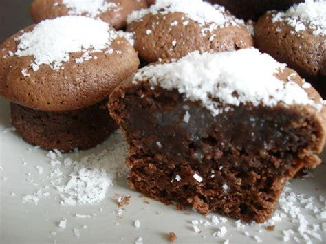 dessert noix de coco chocolat muffins chocolat fourr 233 s 224 la noix de coco ses desserts