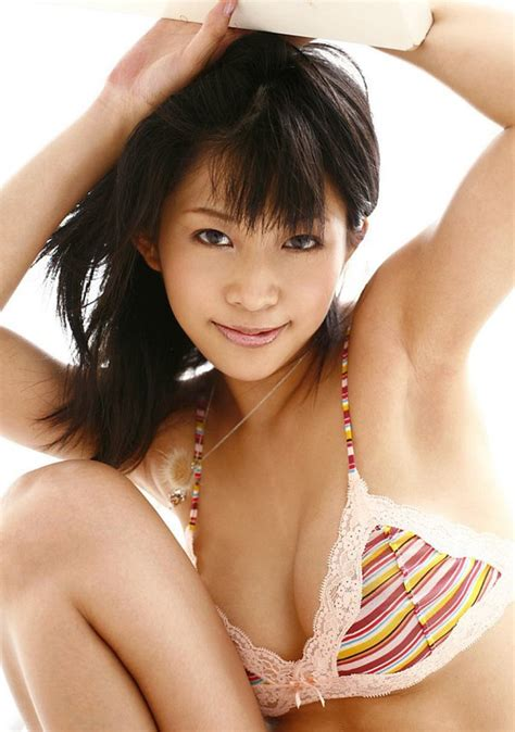 Sex Av Idols Sasa Handa Sexy Asian Beach Bunny Shows Her Nude Body In The Sun