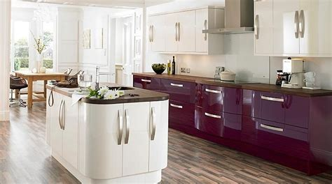 cream kitchen cabinet doors 25 best ideas about high gloss kitchen doors on pinterest
