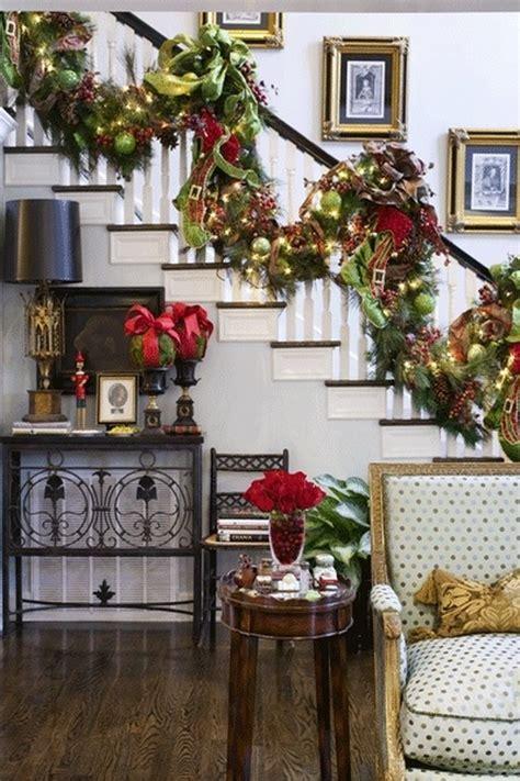 fresh festive christmas entryway decorating ideas