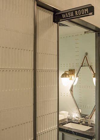 Retro Bathroom Mirrors by Best 25 Retro Bathrooms Ideas On Retro