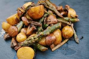 Pilz Rezepte Vegetarisch : spargel pilz pfanne vegan oder vegetarisch der veg ist ~ Lizthompson.info Haus und Dekorationen