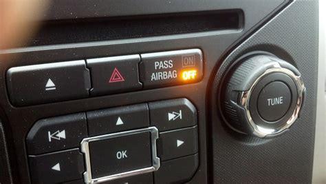passenger airbag light passenger air bag light when sitting in seat what gives