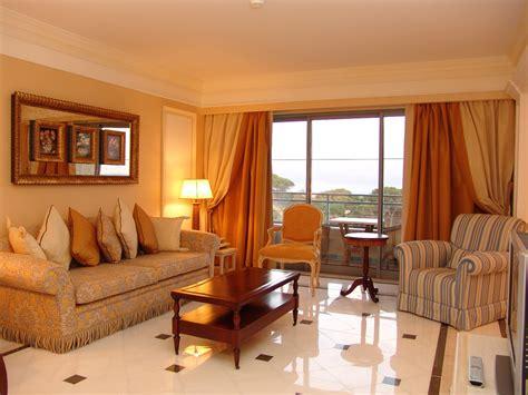 contoh gambar ruang tamu rumah minimalist idcom