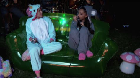 Tbt Watch Miley Cyrus Hit On Ariana Grande In Her Backyard