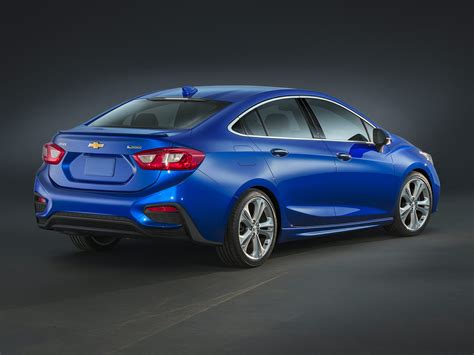 Chevrolet Photo by New 2018 Chevrolet Cruze Price Photos Reviews Safety